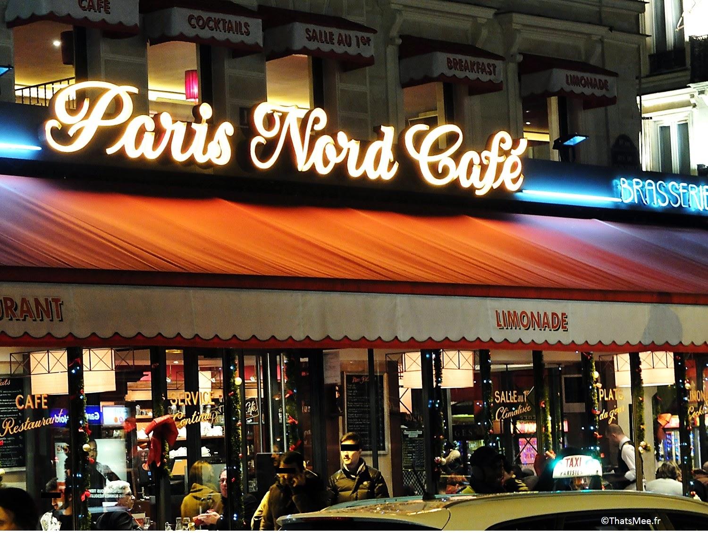 Paris Nord Café enseigne néons de gare Du Nord Paris by night rue de Dunkerque