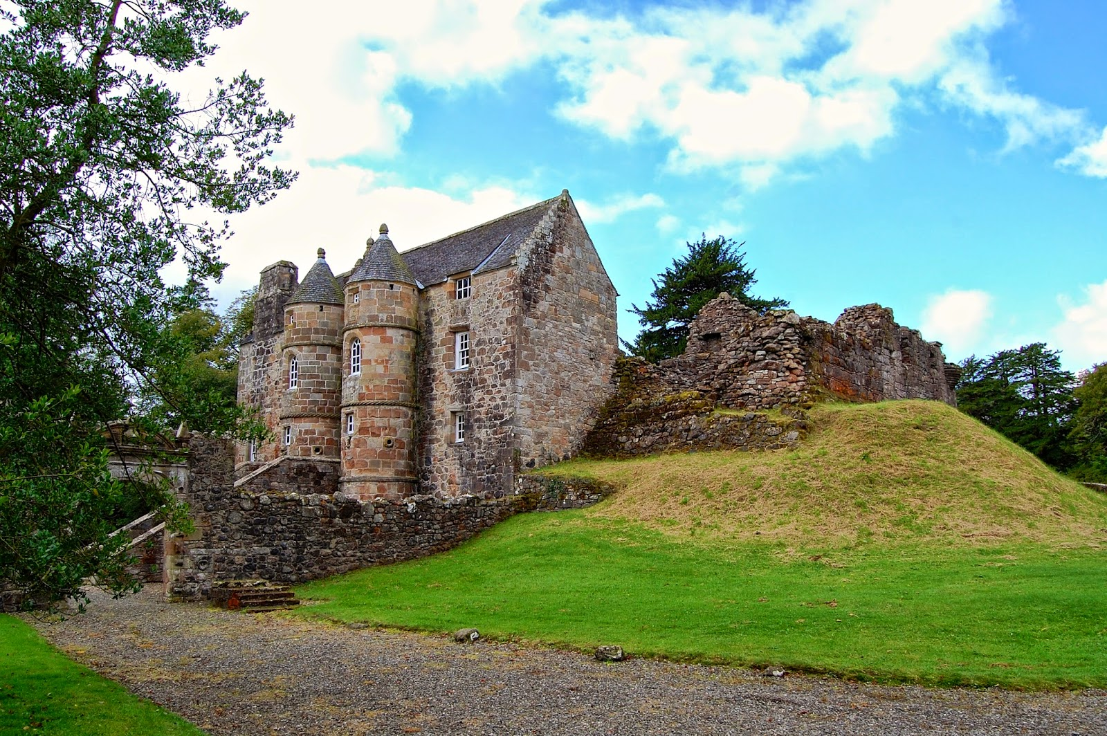 Rowallan Castle with attached ruined keep