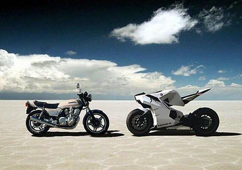 Computer-controlled 2015 Honda CB 750 runs on hydrogen