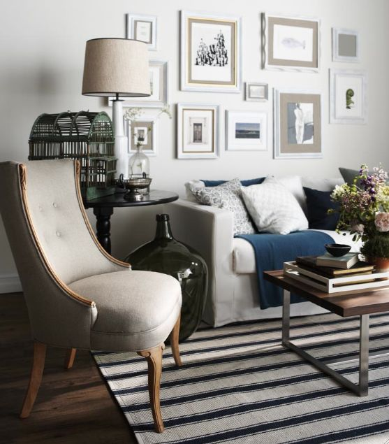 Lunch latte styling blue and white striped rugs - Idee deco interieur ...