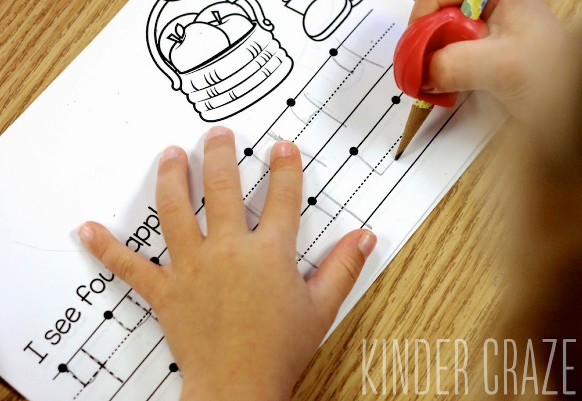 FREE apple theme book for numeral writing