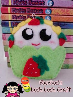 Jual gantungan kunci cupcake buah strawberry