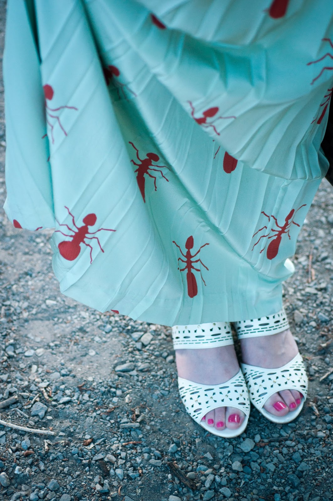 charlotte taylor, miss albright, anthropologie ootd, fashion blog, style blog, opi nailpolish, mint dress