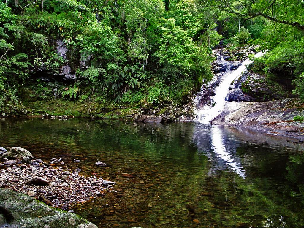 Todav a no conoces el tobog n y las piscinas naturales for Piletas naturales argentina