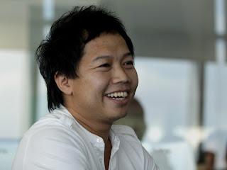 Sandhy Sondoro, 10 Musisi Internasional Ini Berdarah Indonesia