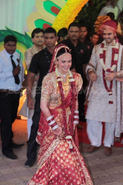 Esha Deol Wedding Dress - (3) - Esha Deol Marriage Pics