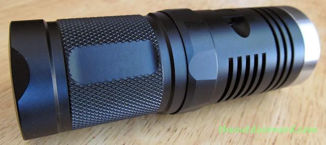 Sunwayman D40A [4xAA Flashlight] - Closeup Of Body