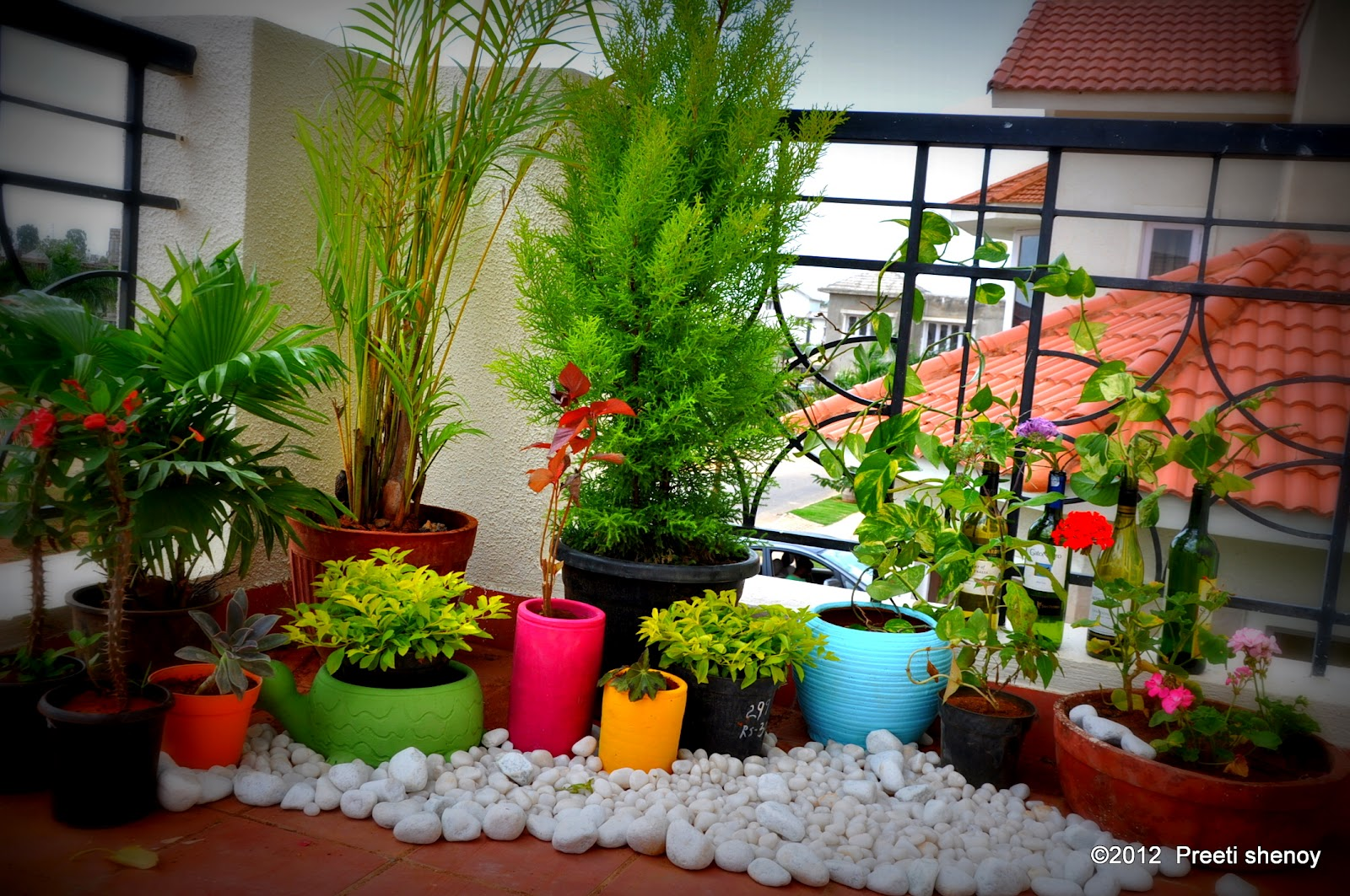 How to transform your balcony into a lovely garden for Balcony decoration ideas india