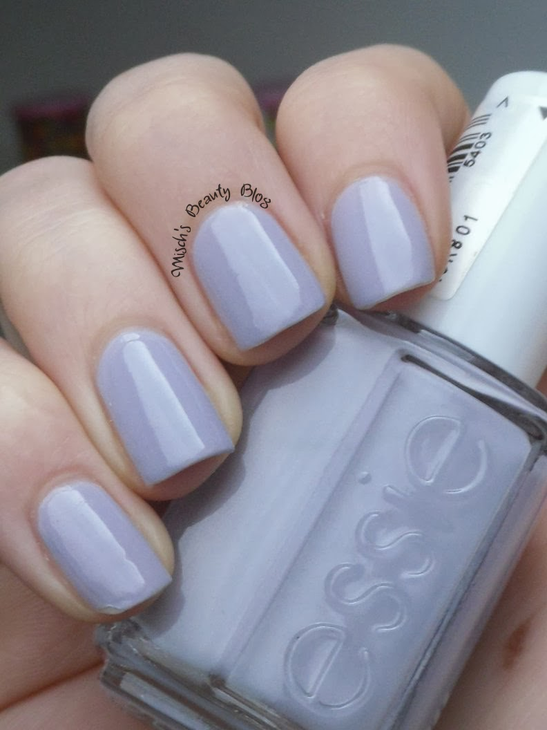 Misch\'s Beauty Blog: NOTD February 5th: Essie - Nice Is Nice