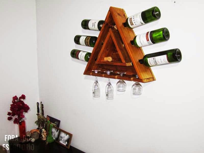 Botellero triangular hecho con palets - Como hacer un botellero ...