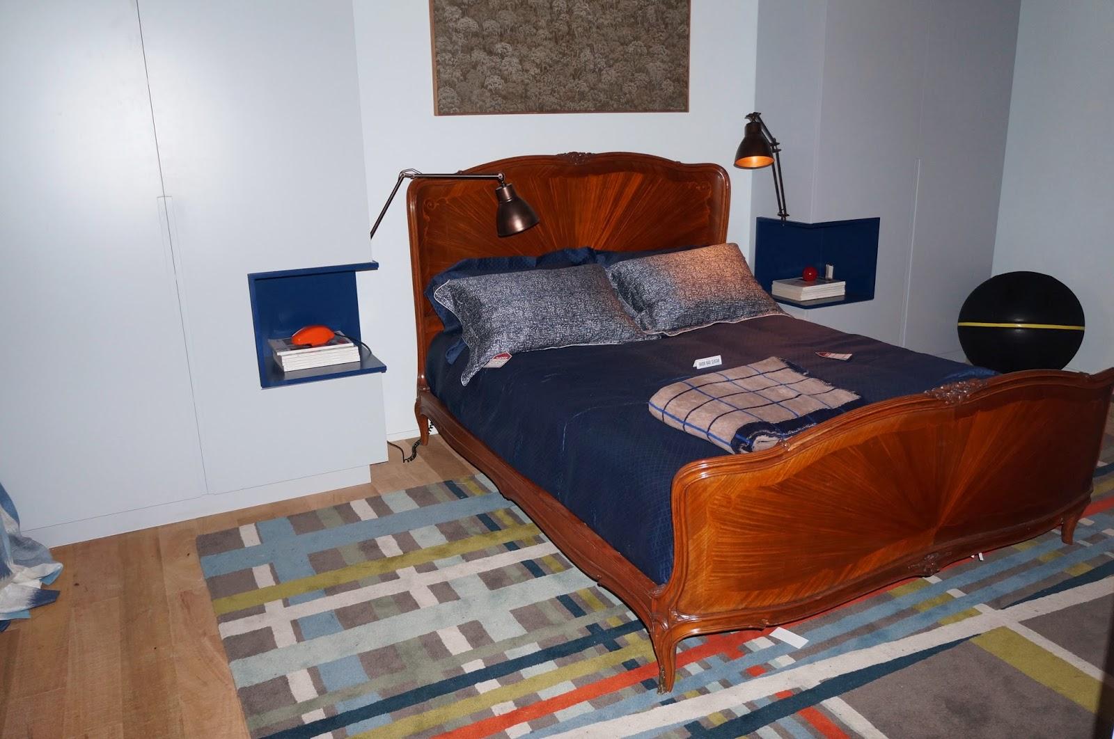 suporte na parede do quarto para acomodar livros  - Casa Cor SP 2014