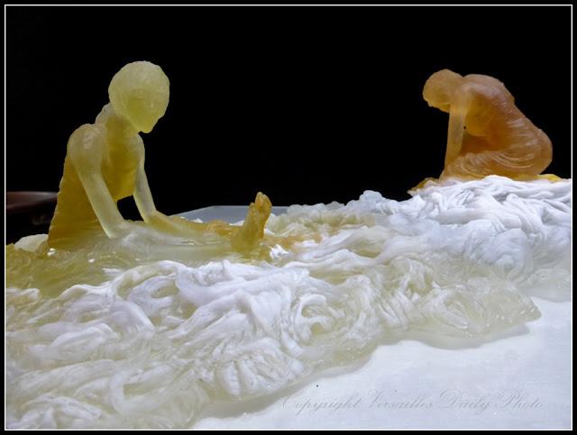 Les fileuses Muriel Chéné pâte de verre Versailles