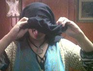 بالصور: مخرجة مصرية تسخر من النقاب باخراج لسانها وتدخين السجائر .. كاملة ابو ذكري تثير موجة من الغضب %25D8%25B01