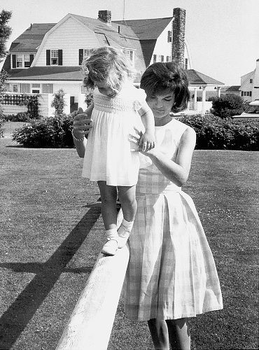 Newly Domesticated: Jackie Kennedy: I Like Your (Summer) Style
