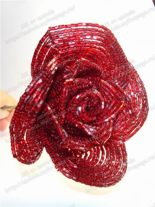как из бисера сделать розу