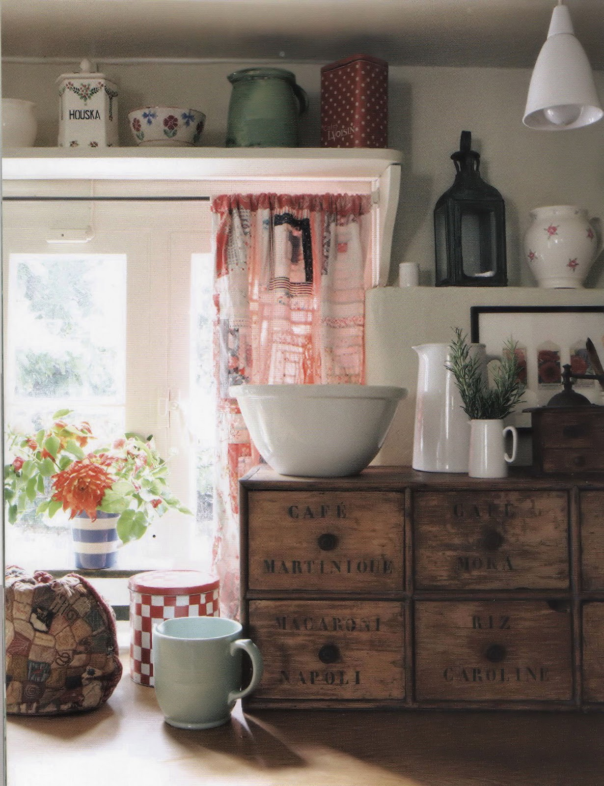Stoney creek blog english cottage for English cottage kitchen pictures