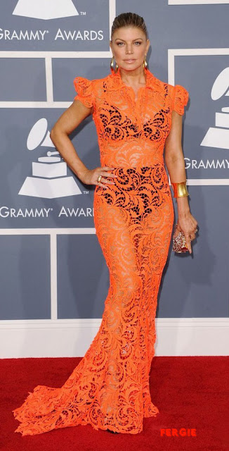 Galeri Red Carpet Grammys 2012 (Kontroversi)