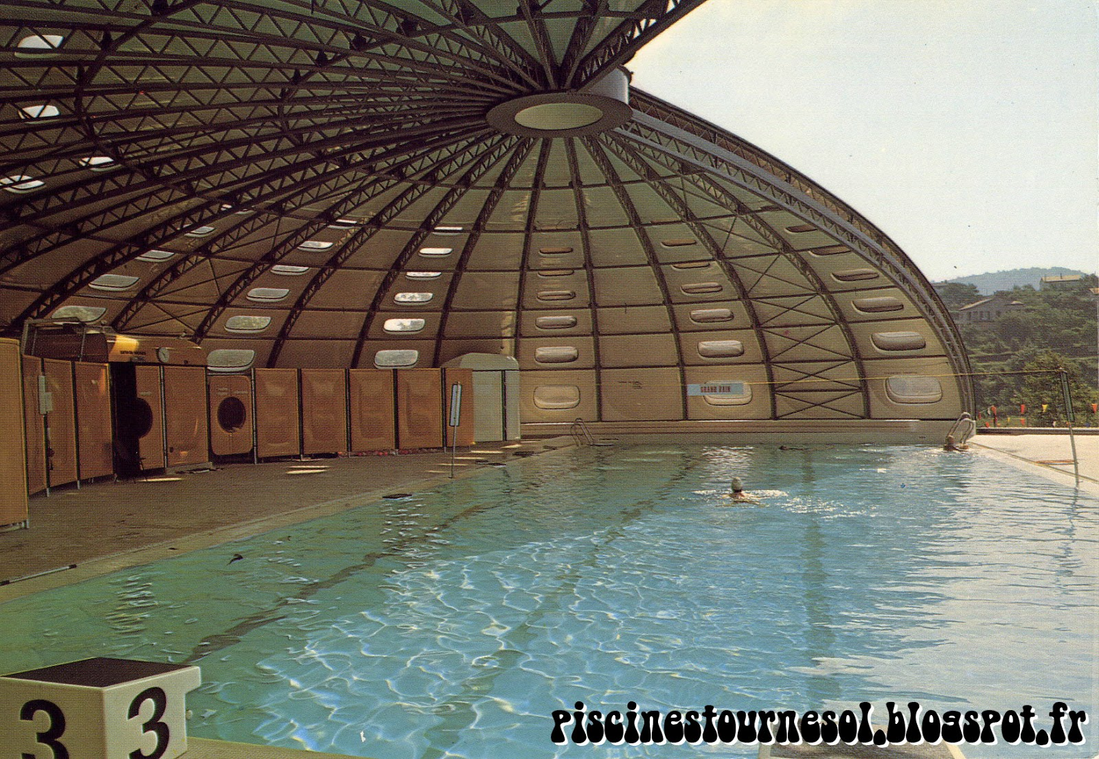 Piscines tournesol piscine tournesol privas en vivarais for Piscine tournesol