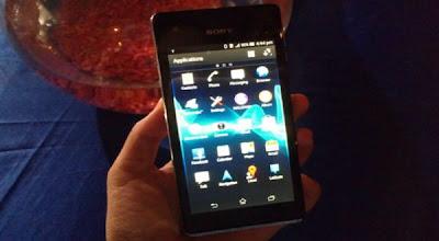 harga xperia v terbaru, android anti air tahan banting, smartphone canggih terbaru