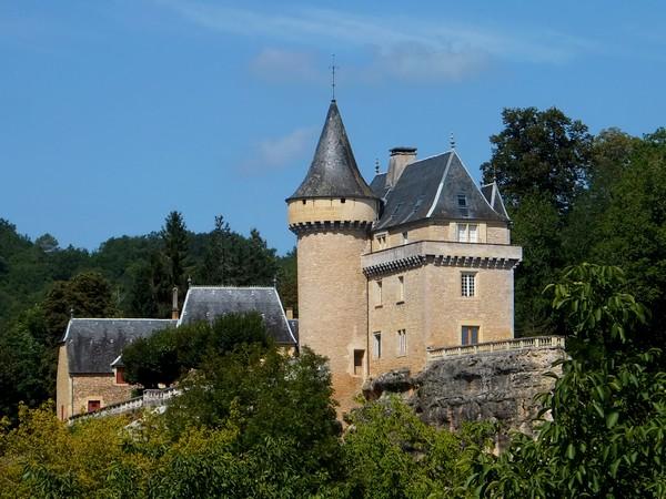 Dordogne Vézère Belcayre château