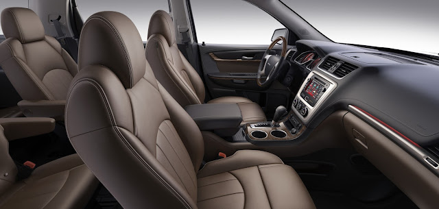 Interior view of 2013 GMC Acadia Denali