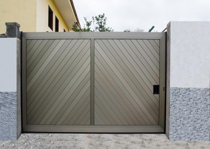Portore s a puertas correderas de aluminio for Saguan de madera