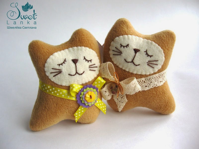 бежевые котики