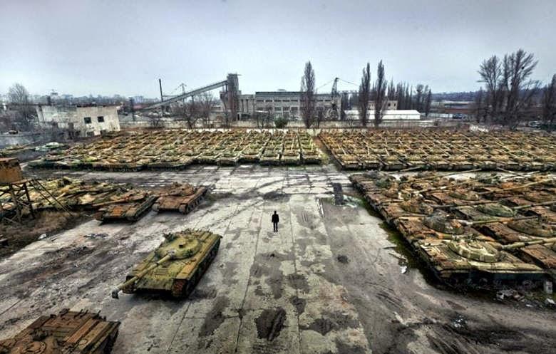 la-proxima-guerra-tanques-rusos-acumulados-almacenados