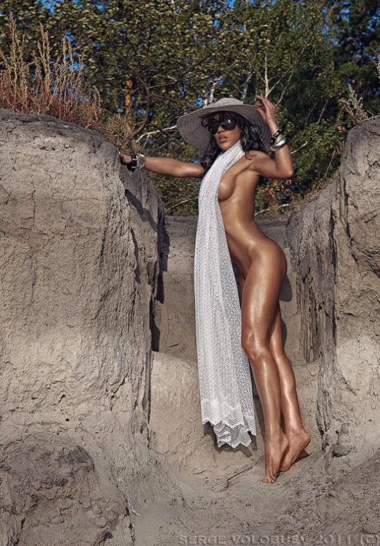 Serge Volobuev fotografia sensual mulheres nuas na praia mar provocante gostosa