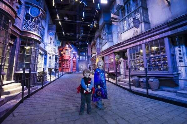Warner Bros. Studios, Leavesden Set Tour