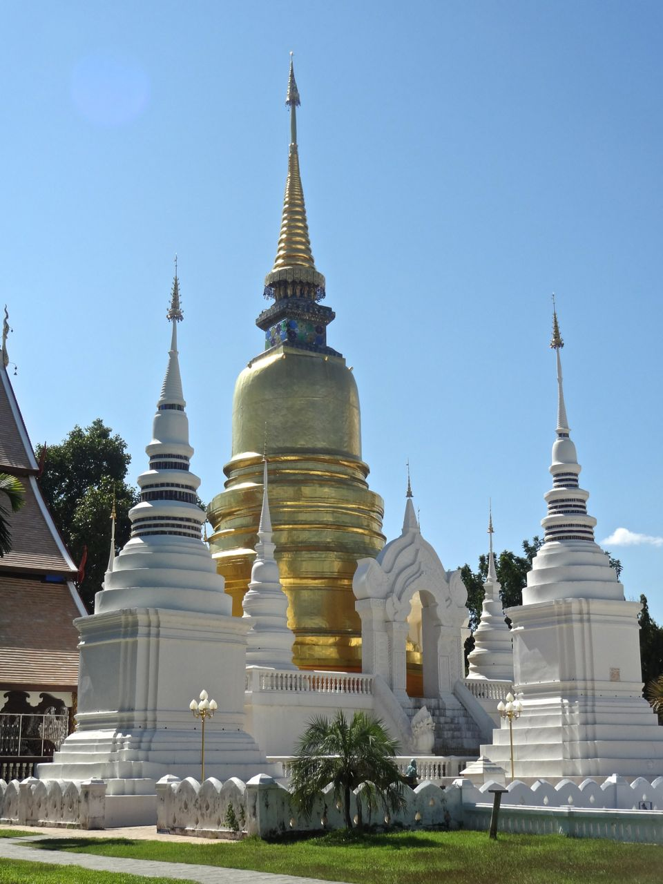 Scrumpdillyicious: Doi Suhtep & Wat Suan Dok in Chiang Mai, Thailand