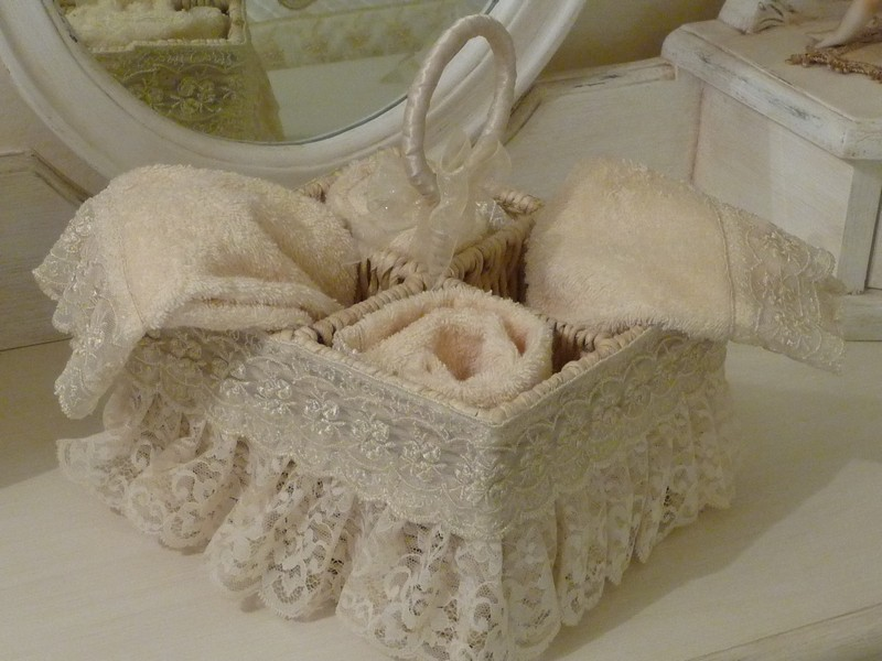 Alessandra pizzi e merletti nell 39 interior design - Tovaglie da bagno ...