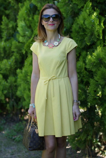 Yellow dress, Louis Vuitton Speedy 25 monogram, Fashion and Cookies