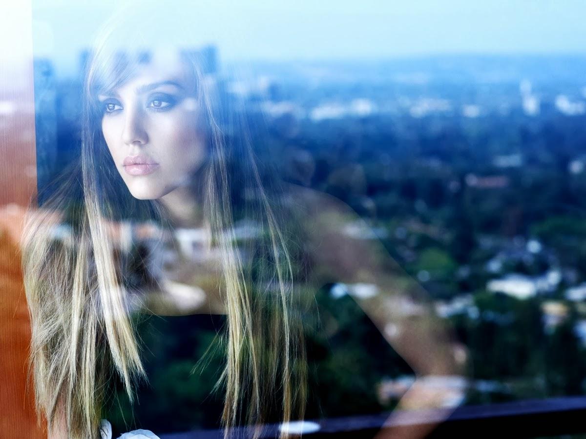 Jessica Alba in C – Magazine