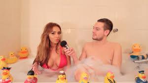 Fidji revient sur son aventure dans La villa des cœurs brisés et son mariage avec Ricardo en direct de mon bain.