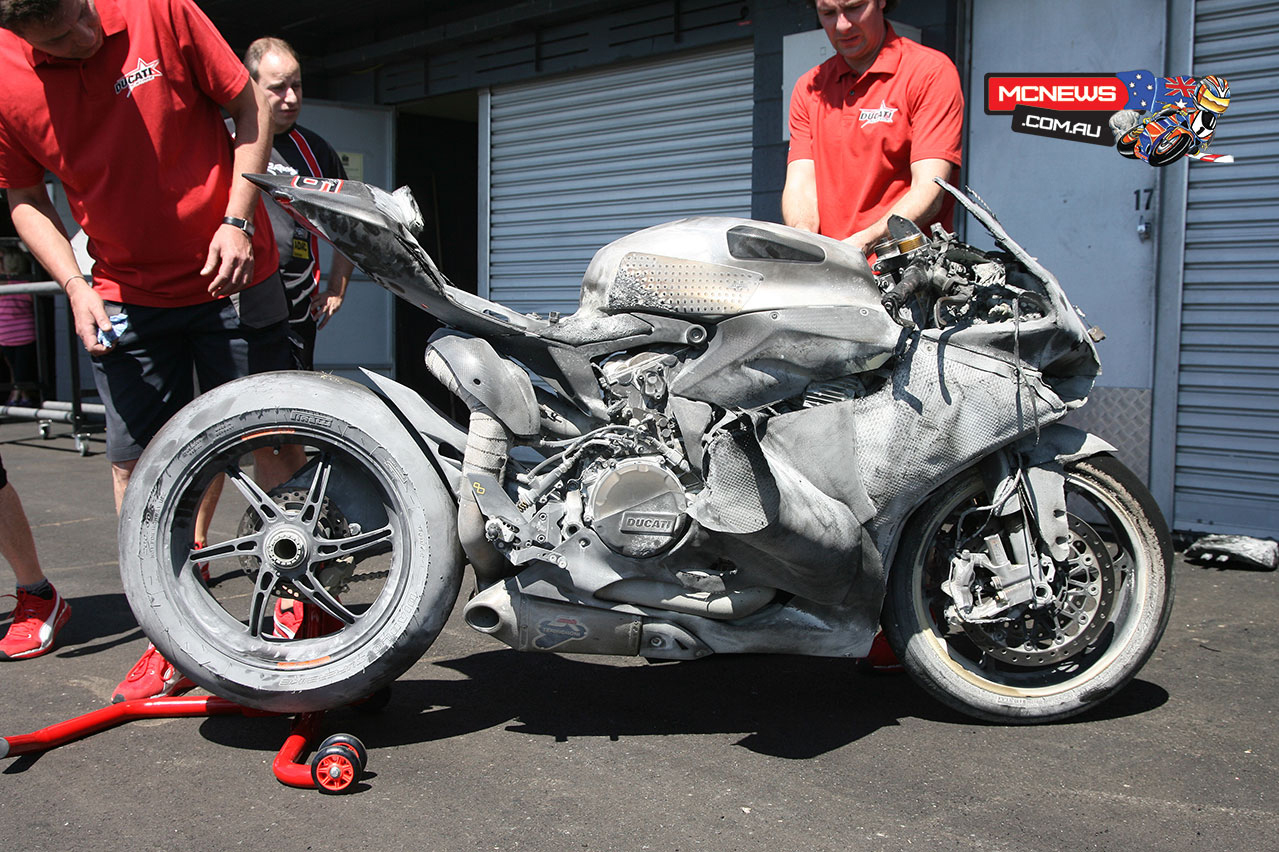 ducati 1199 panigale sbk crashed