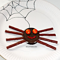 Spider biscuits using oreos