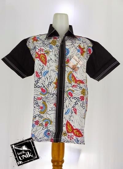 Model baju batik pria dengan kombinasi kain polos