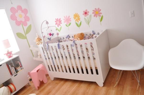 design interiores decoracao quarto bebe:Falando em adesivos eles são a maneira mais prática de compor uma