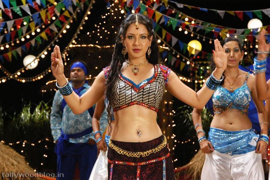 Pooja Bose Hot Pics
