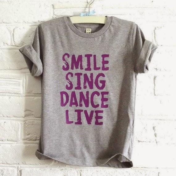 http://www.etsy.com/pt/listing/125998693/organic-kids-t-shirt-grey-marl-smile?gclid=CKj6kP6umbcCFaF7QgodLFIAAw