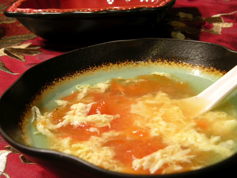 Simple Tomato Egg Drop Soup in 15 Minutes (番茄蛋花汤) | Fun ...
