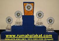 pusat cinderamata surabaya, kerajinan plakat surabaya, penghargaan award malang, 0812.3365.6355, www.rumahplakat.com