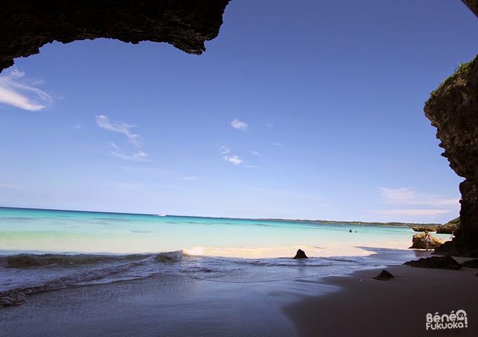 Sunayama beach. / 砂山ビーチ。