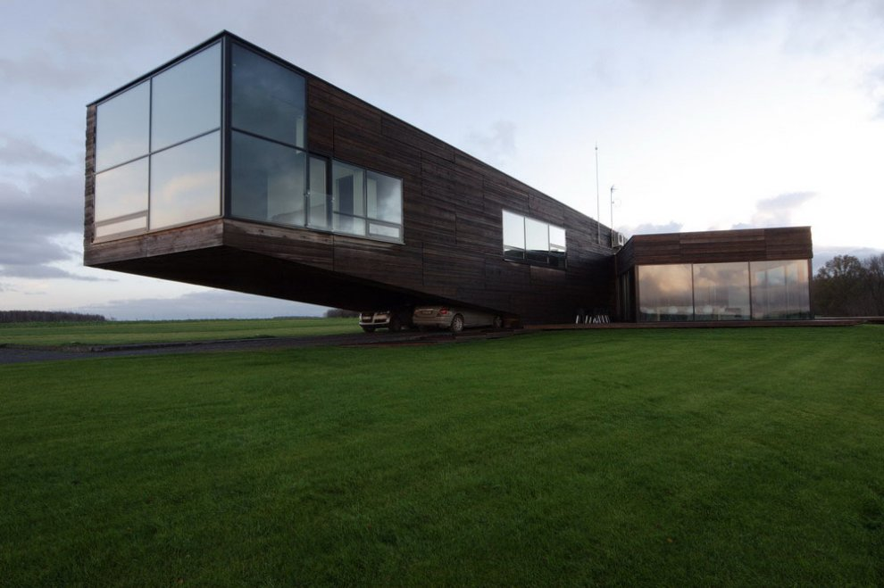 Contemporary cantilever house in lithuania most beautiful for Beautiful architecture houses