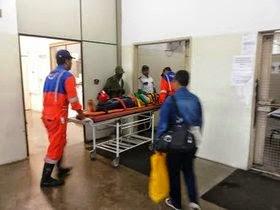 Três das quatro pessoas feridas  foram socorridas para Feira (Foto: Acorda Cidade)