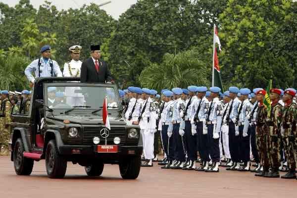 Presiden SBY Beri Kado TNI Berupa Dua Undang-Undang