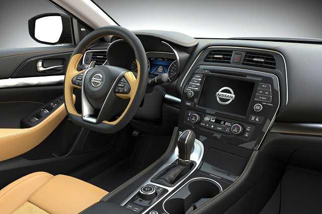 Nissan Sentra Exterior and interior