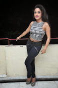 vriti khanna photos at calling bell success meet-thumbnail-13