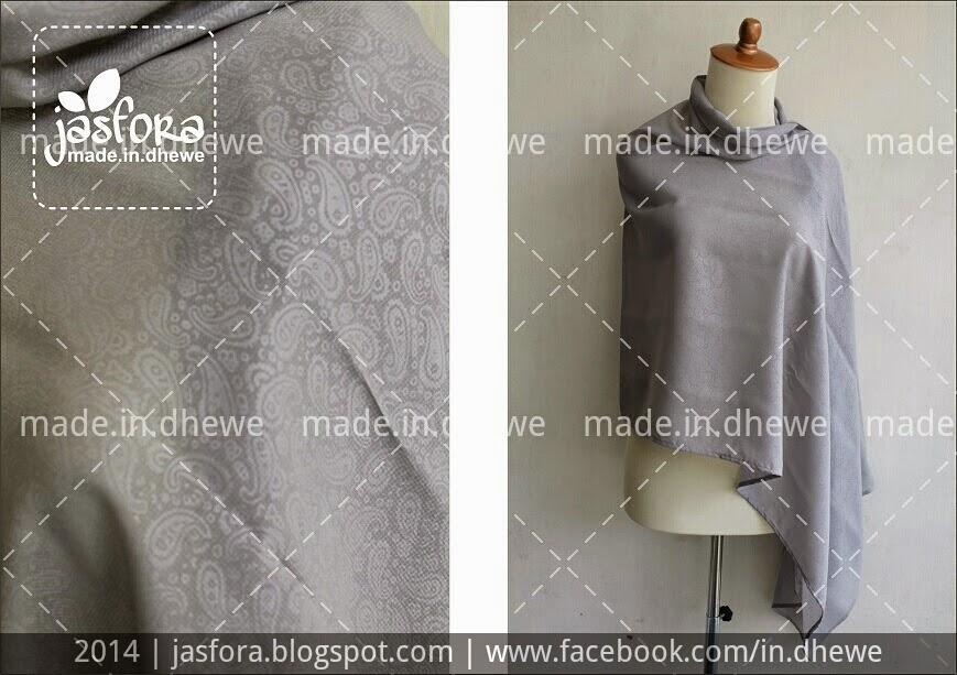 pashmina shawl dari bahan sifon embos dengan warna abu-abu silver, tidak licin, dan mudah dibentuk
